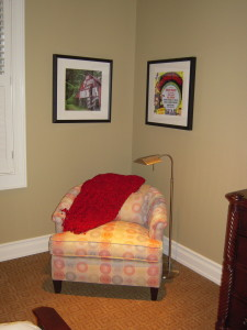 READING AREA IN GUEST ROOM