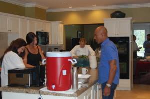 Montel 'commanding' the kitchen